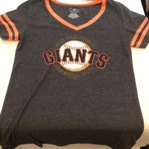 SF Giants T shirt